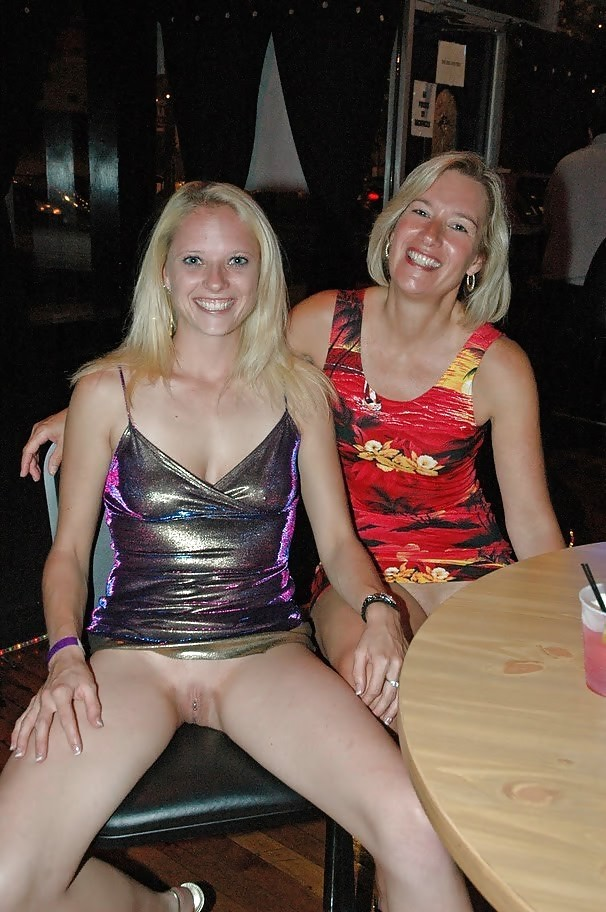 Opinion Mom and daughter flashing pussy