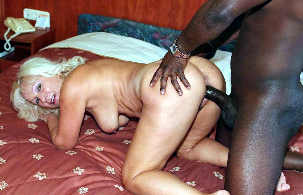 Blacks and mature sex — photo 4