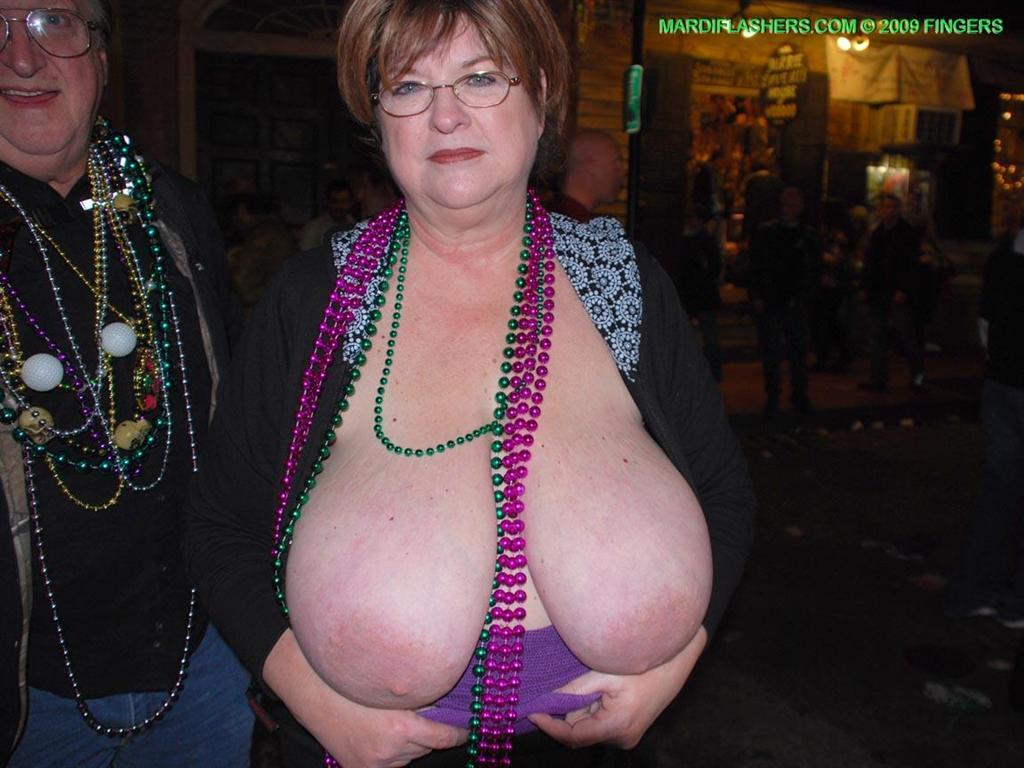 Chubby Boob Flash - Bbw Flashing Tits Public - Free Sex Pics, Best XXX Photos and Hot Porn  Images on www.changeporn.com
