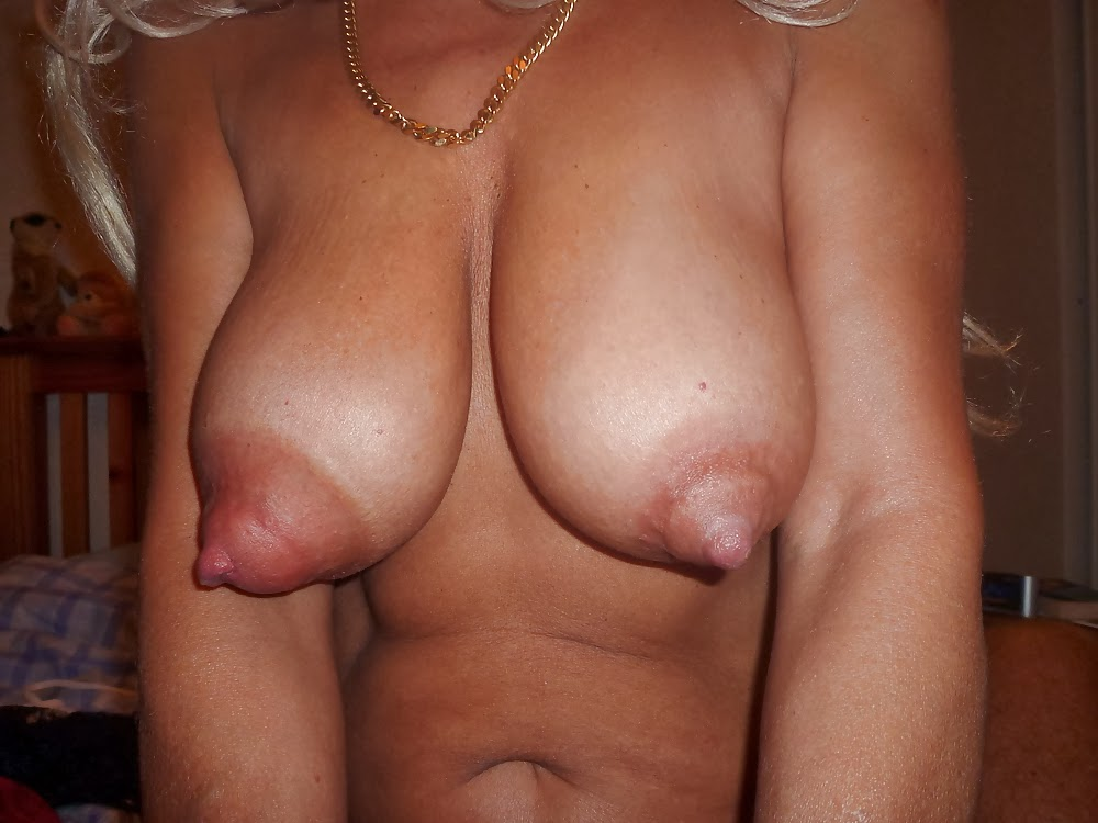 Long Nipples Porn, Puffy Nipple Pics -