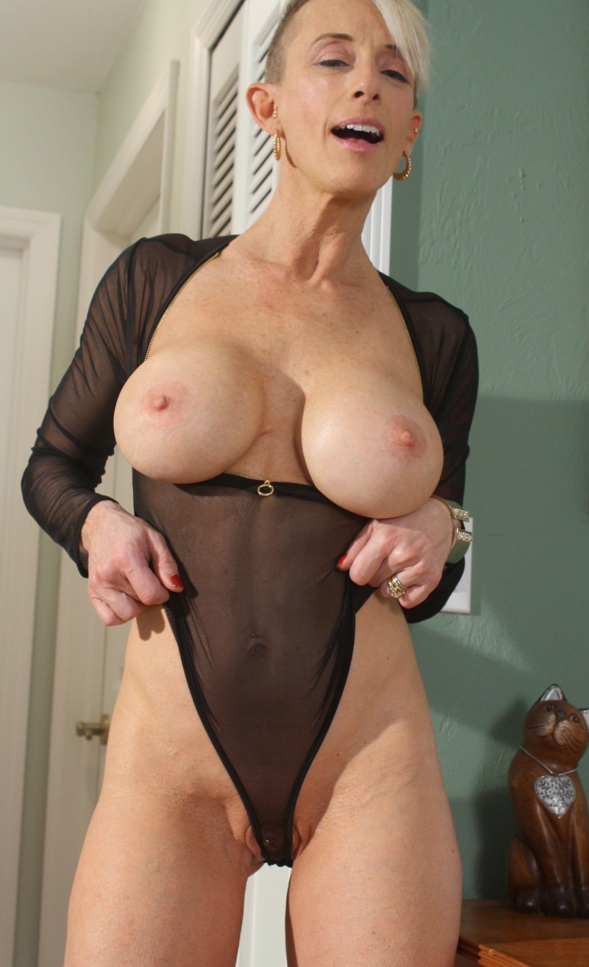 Very busty slutty granny on dating site Part 6