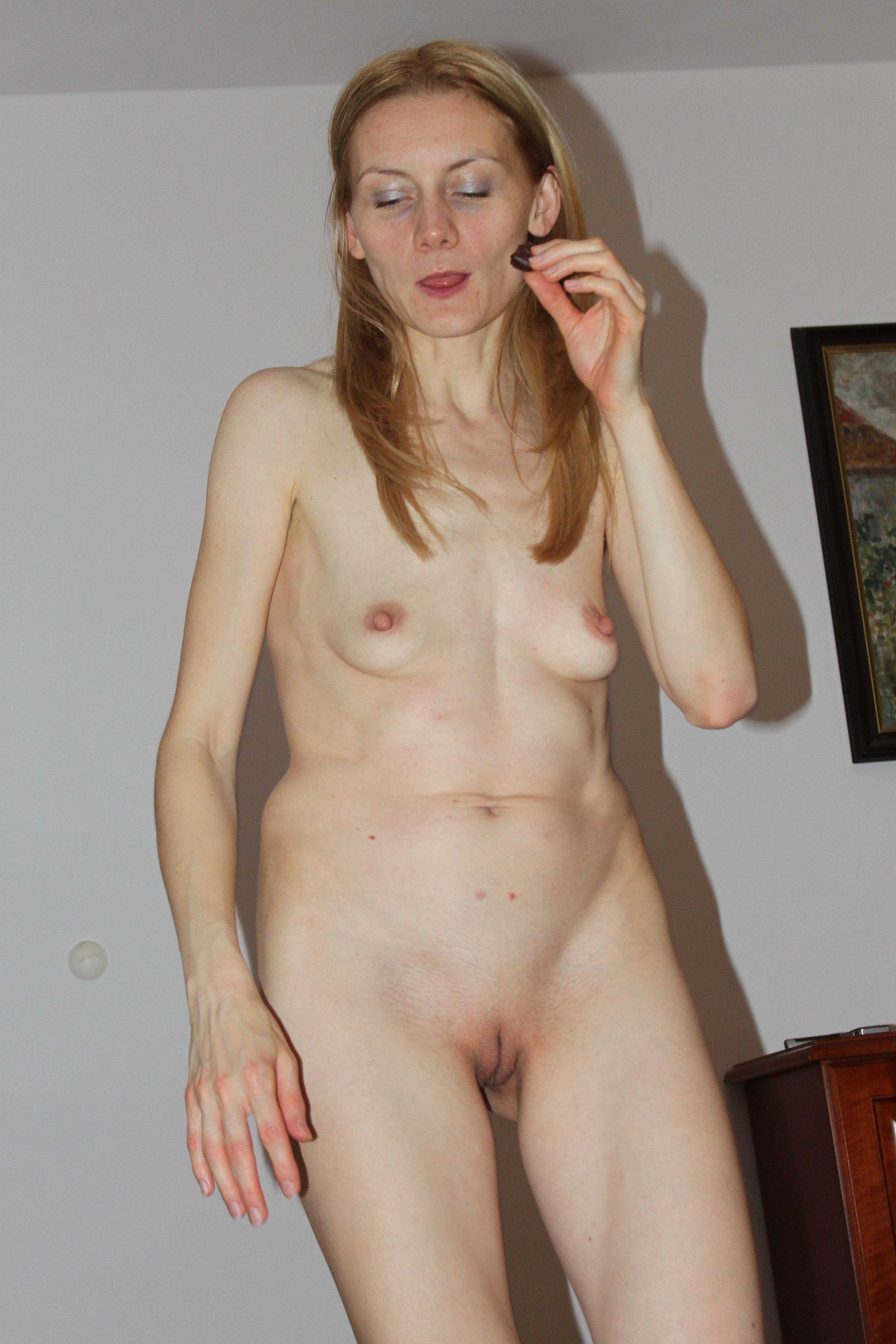Simply Naked skinny young mom consider