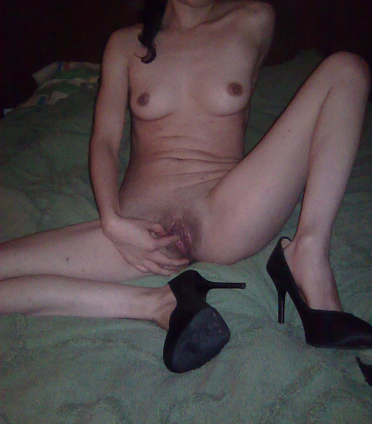 Hot sexy babe bottomless pussy pics