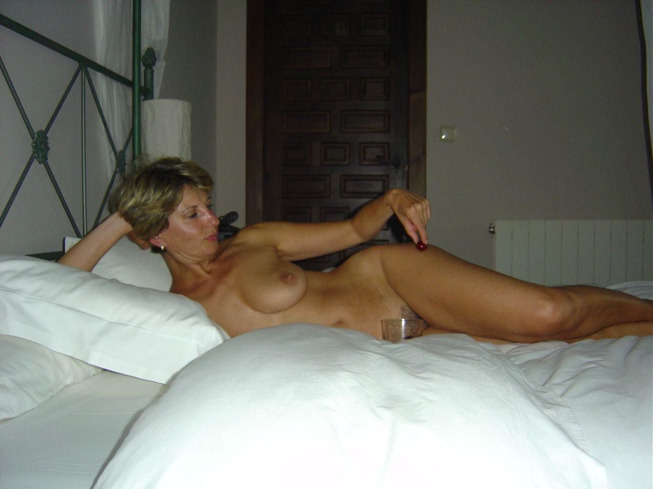 Milf with dildo pic
