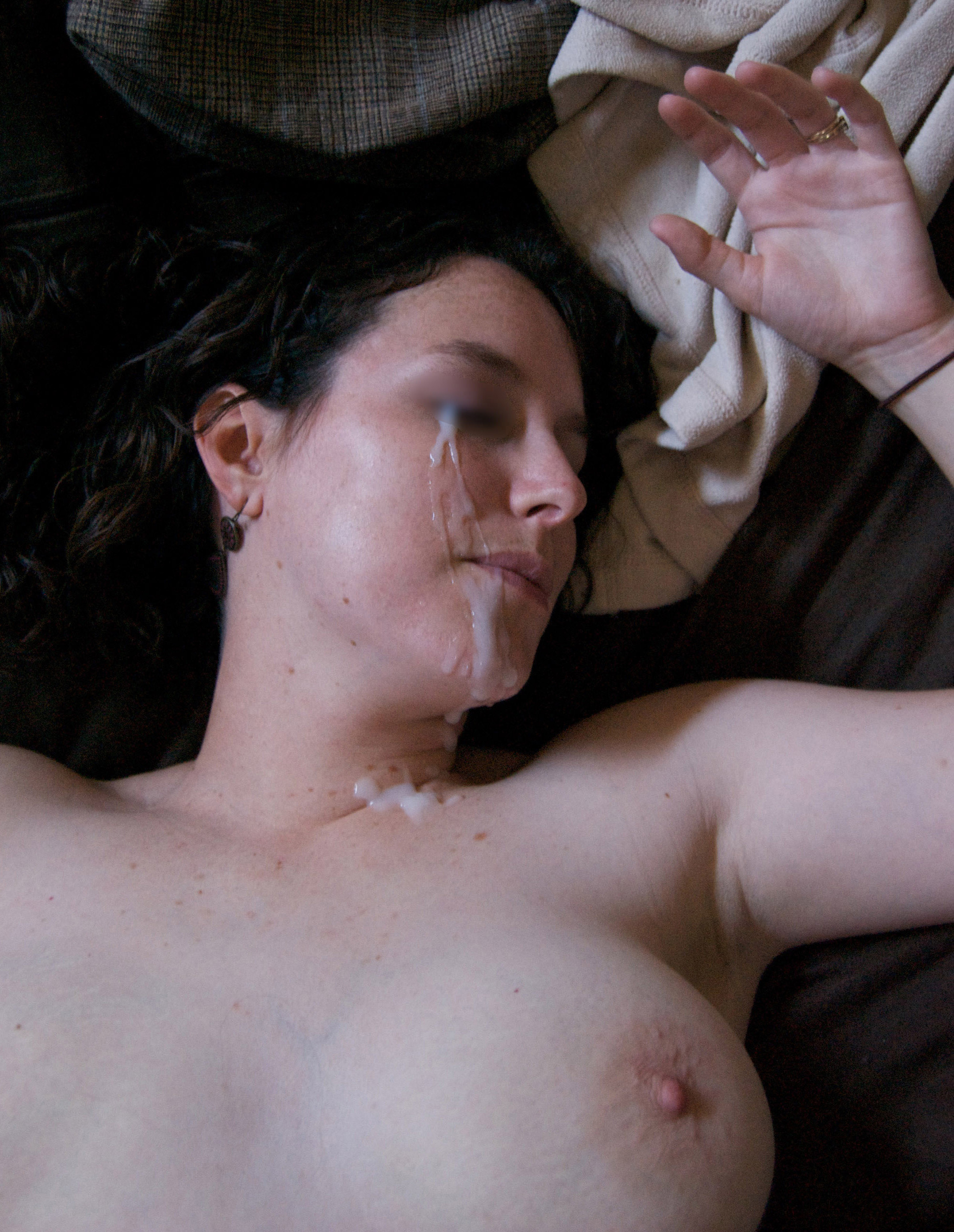 milf-sleeping-naked-girl-with-cum-on-her-face