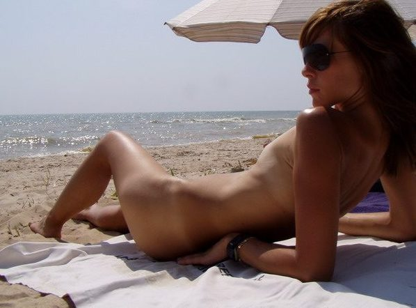 Flat chested / Small tits