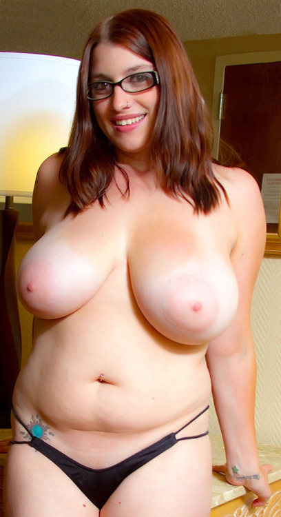Geek chubby nude — photo 11