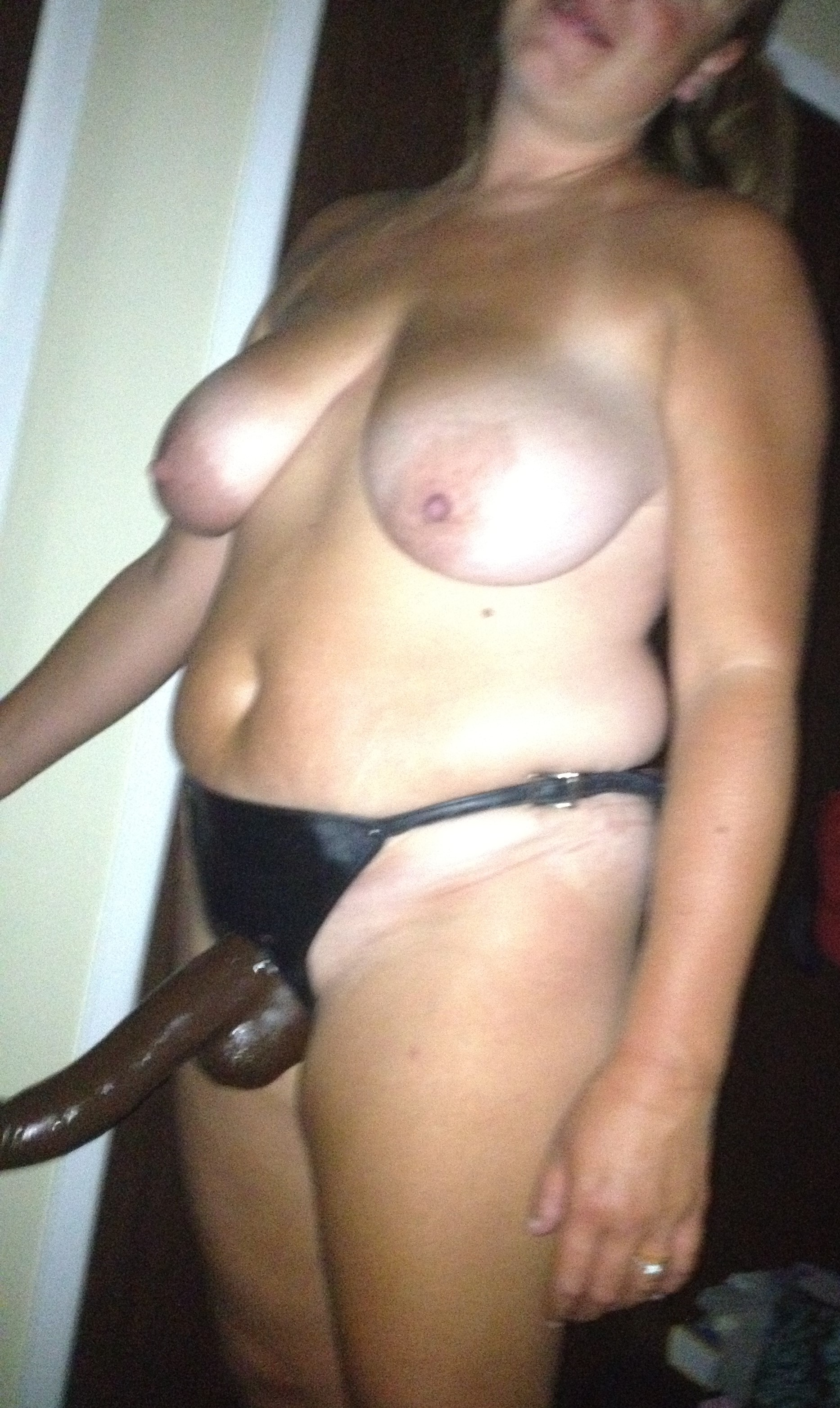 Cheating wife gets black cock