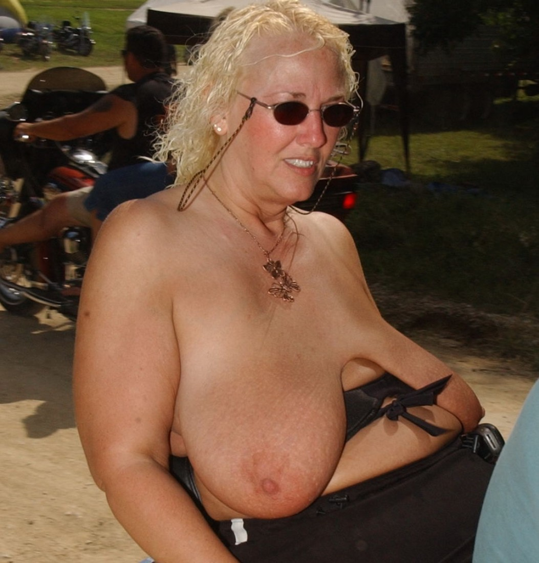 Flashy large saggy breasts woman