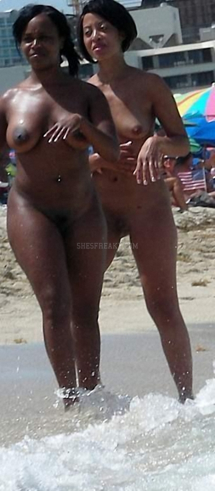 Quite Nude ebony on beach seems excellent