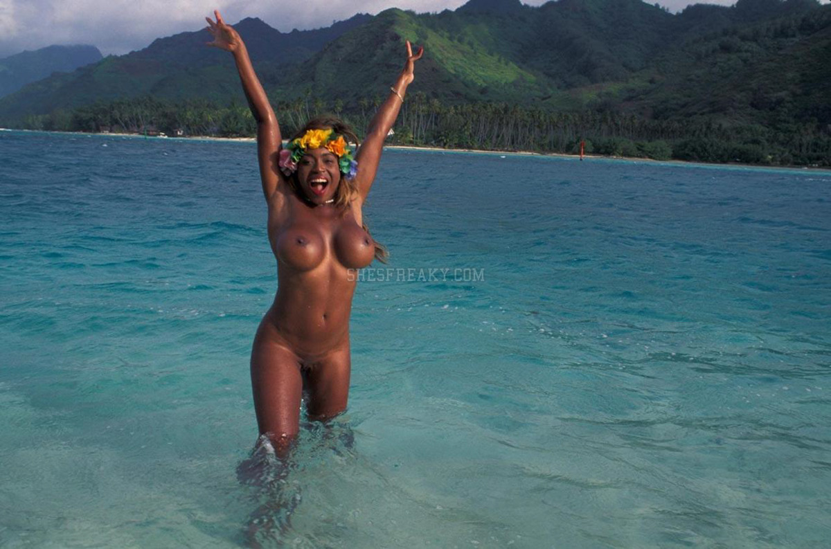 Nude girls beach images