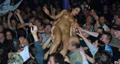 naked girl crowd surf