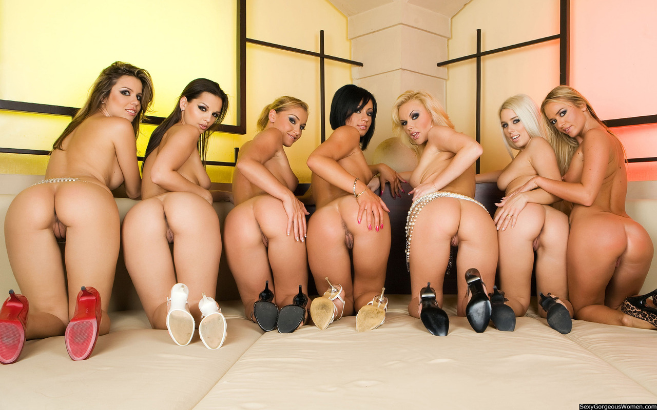 Sexy groups of naked girls showing off many