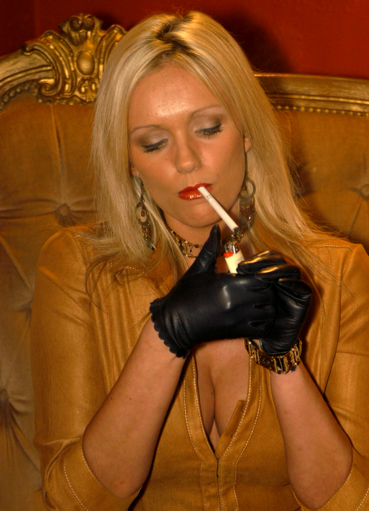 Smoking zara