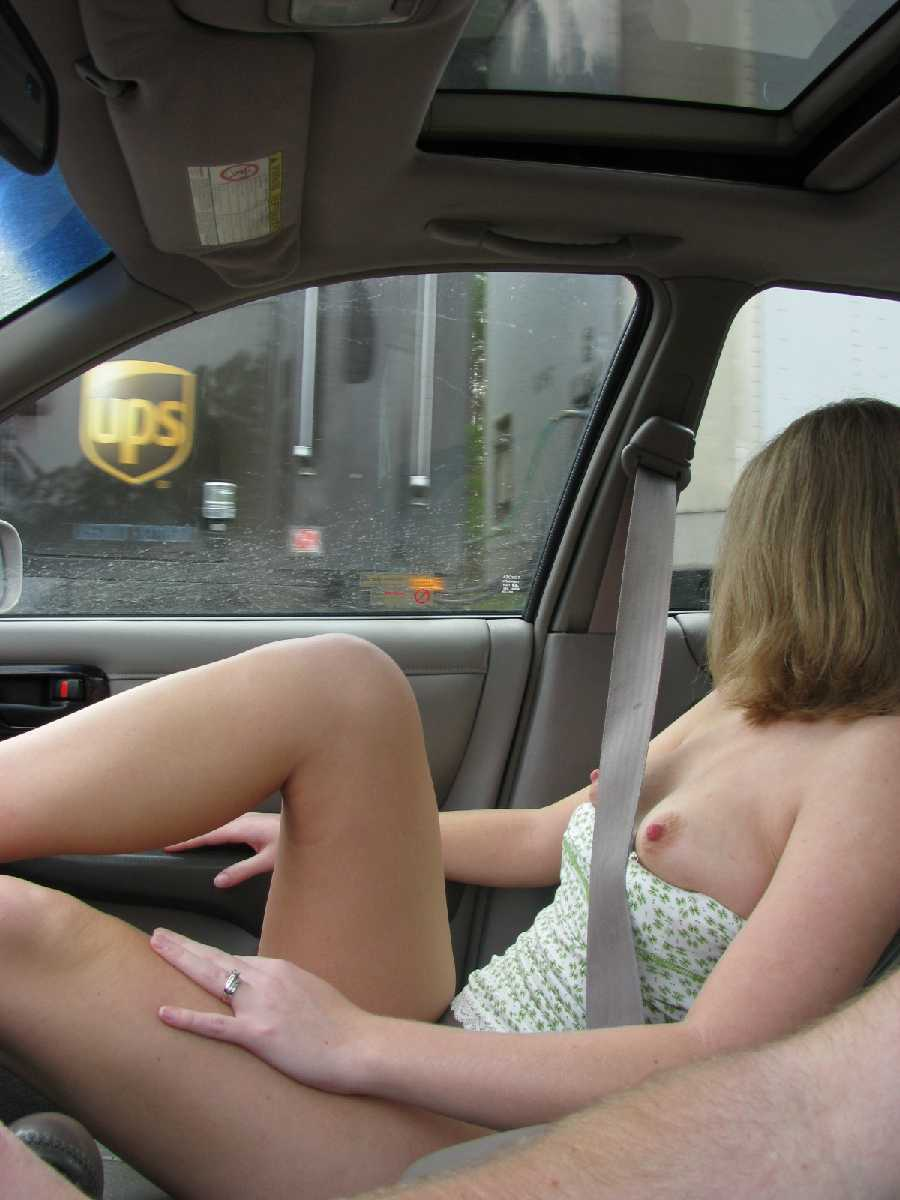 Wife flashing truckers video