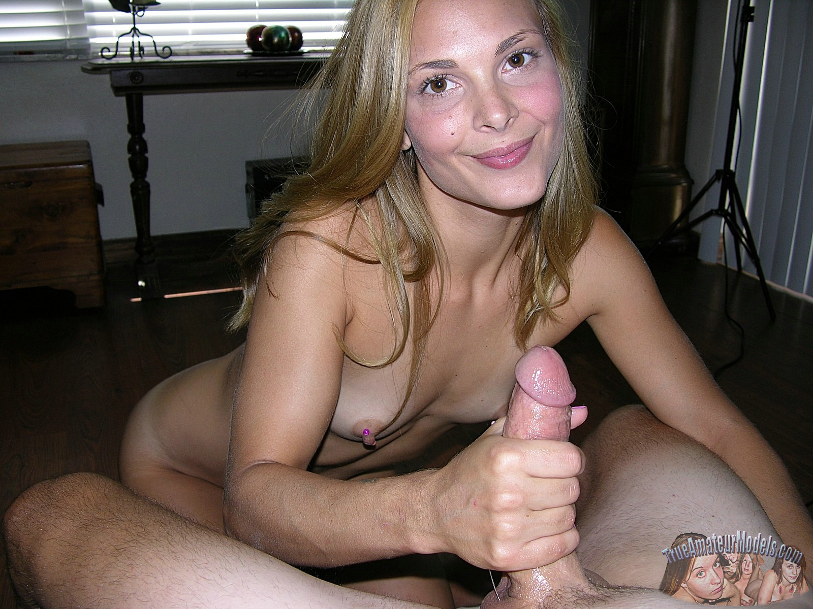 Girlfriend hand job nude