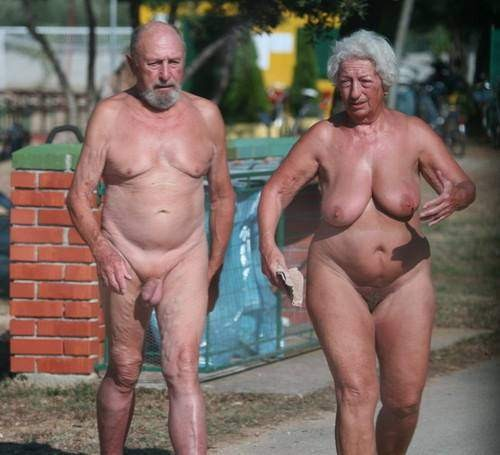 forum Nudist couple
