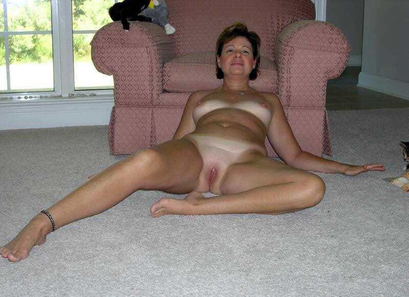 Legs wife mature pussy spreading amateur