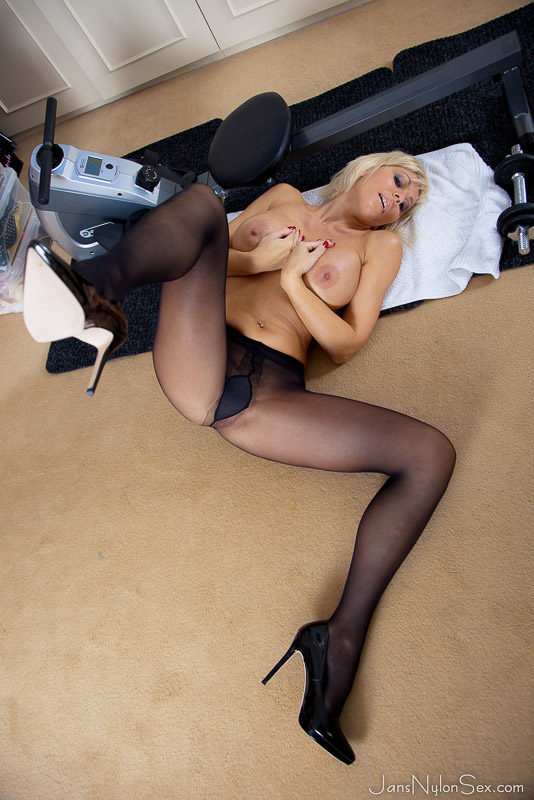 High heels with pantyhose sex