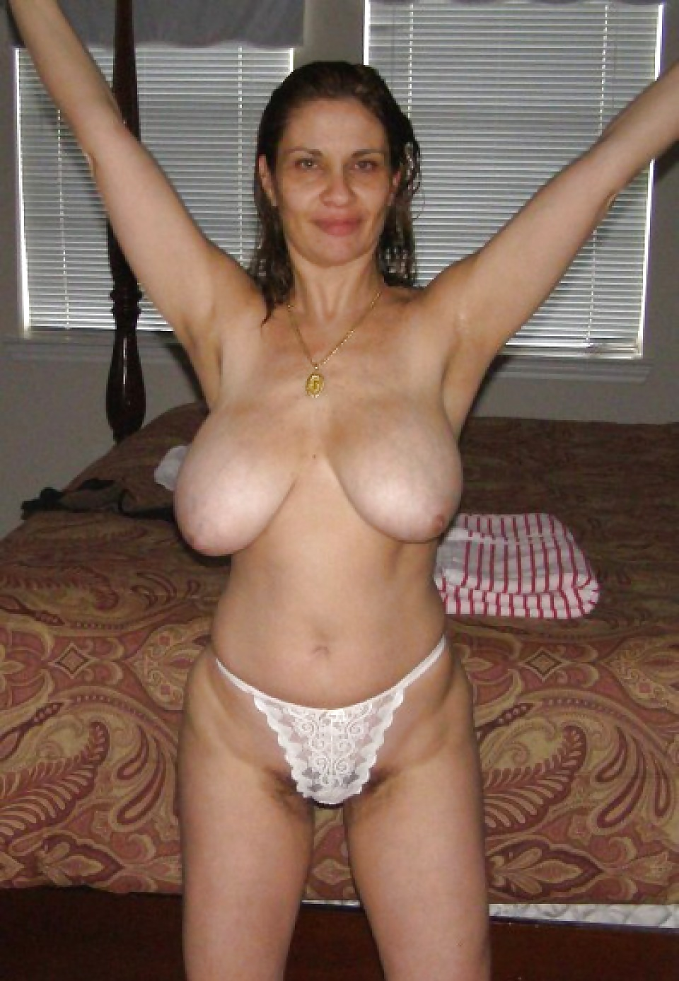 Huge mature hanging tits