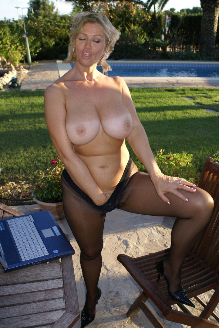 Milf dildo tumblr blonde