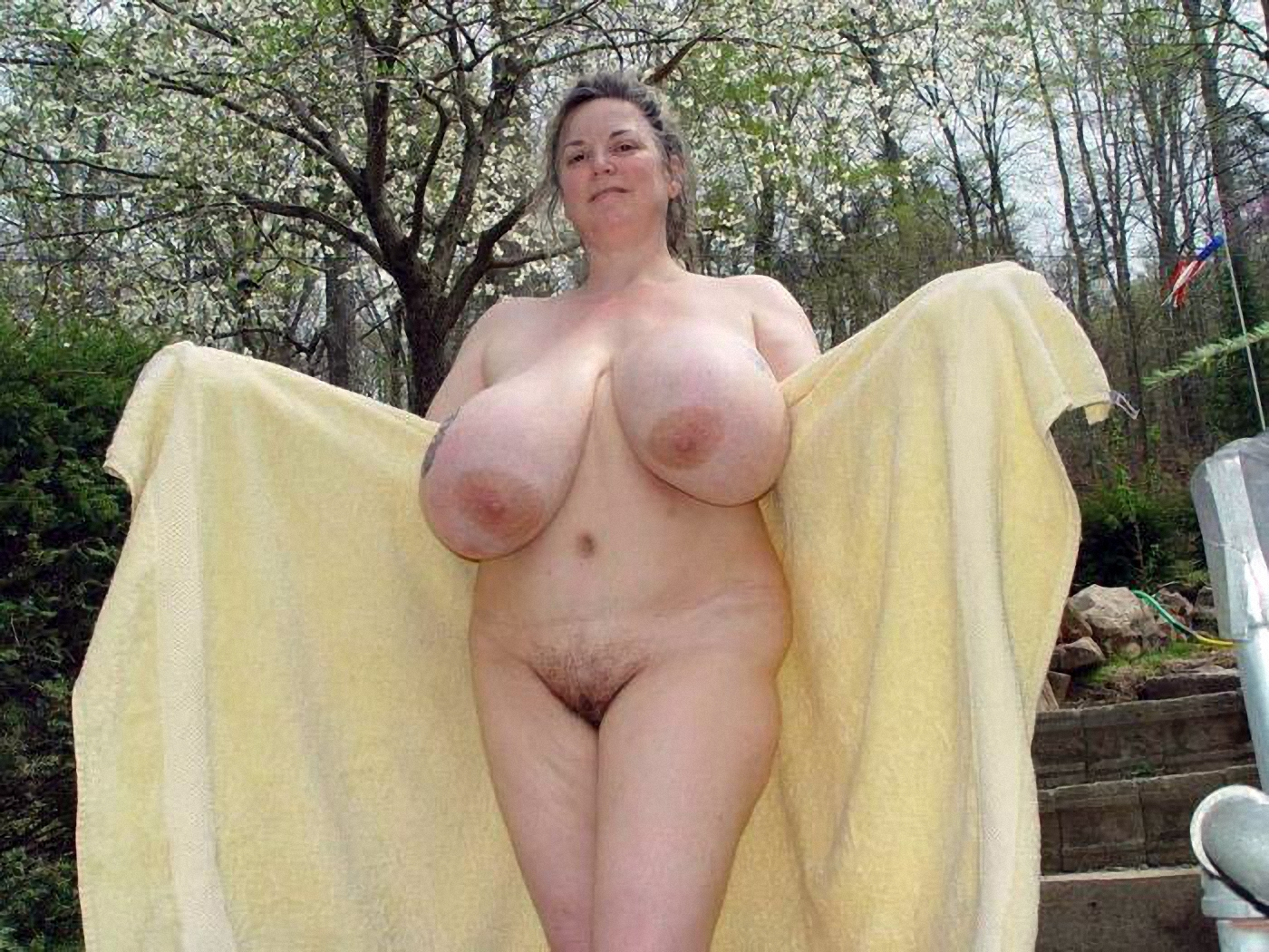 Chessie Moore And Mature