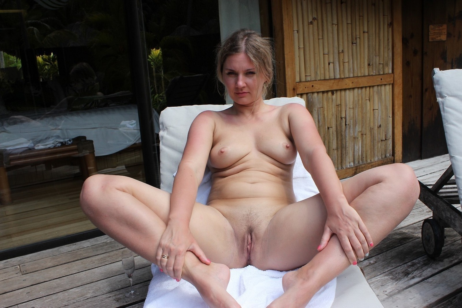 top-naked-wives