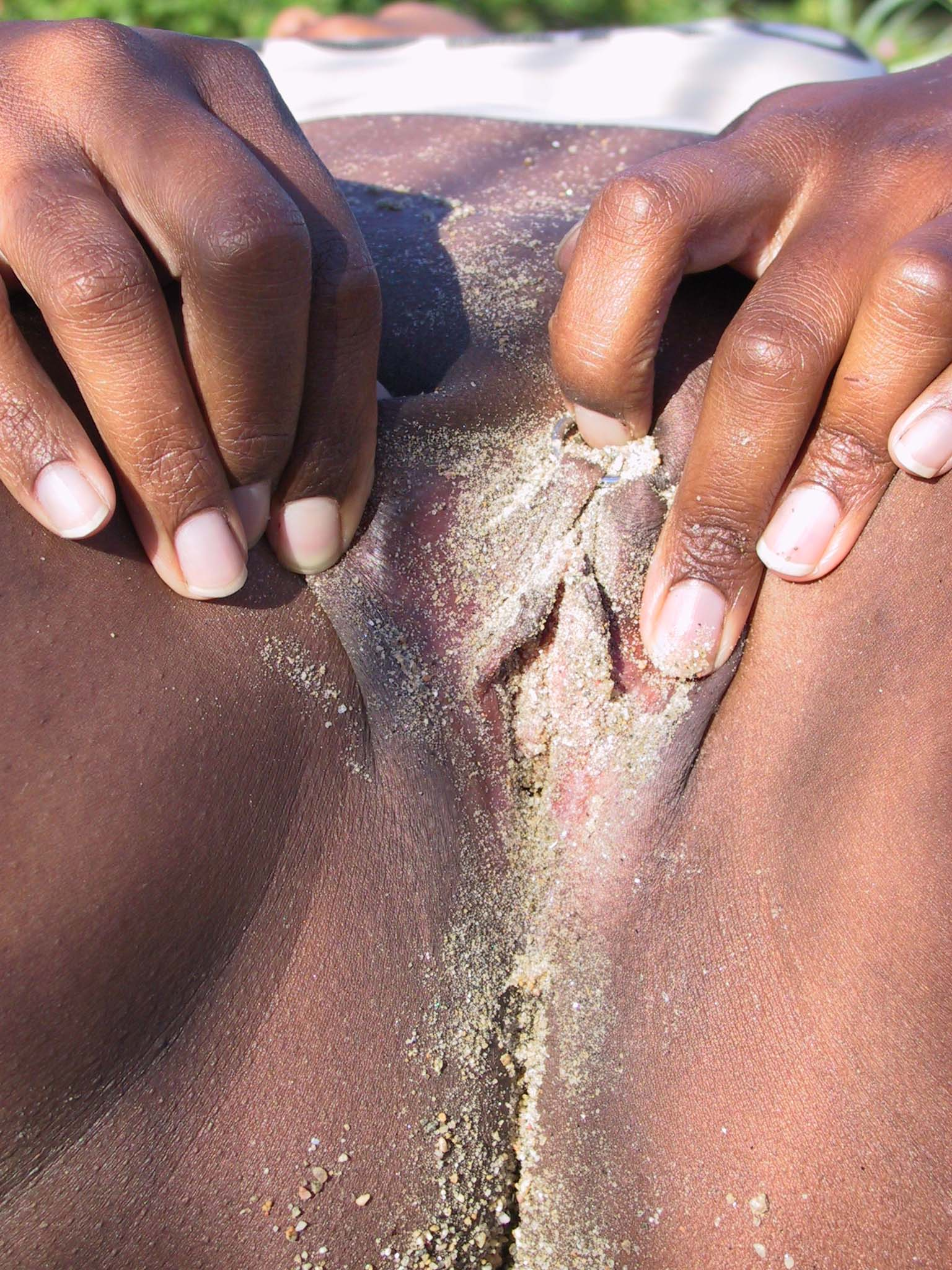 Xxx pic of girl rubbing cunt black lady