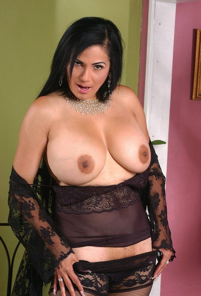 Pics and galleries Free asians in pantyhose videos