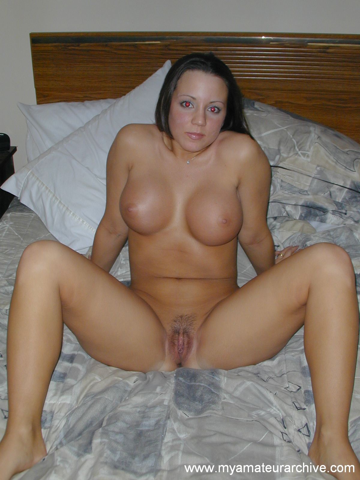 Naked amateur woman