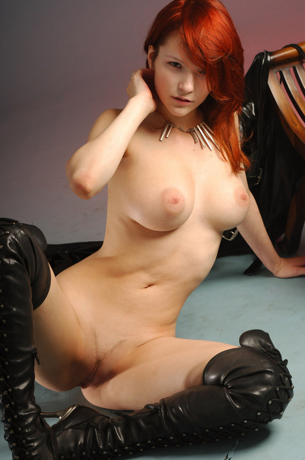 Pics of girls yousing sex toys