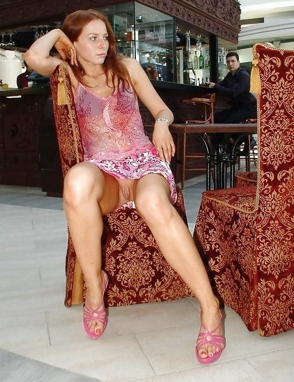 Upskirt see pussy