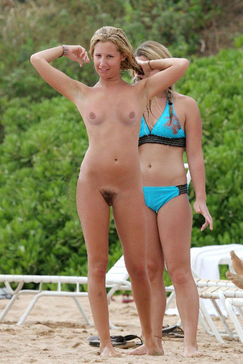 Busty pussy shaved mom nude