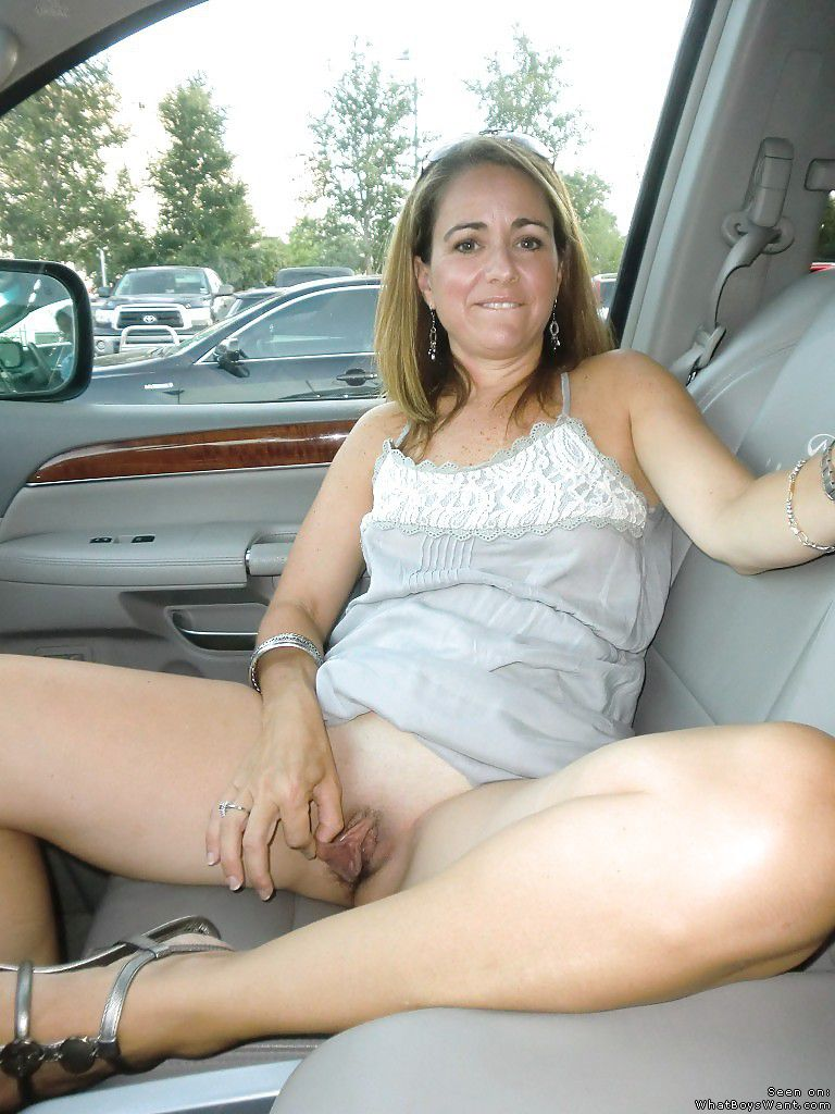 real amateur sluts, happily showing their cunts - motherless