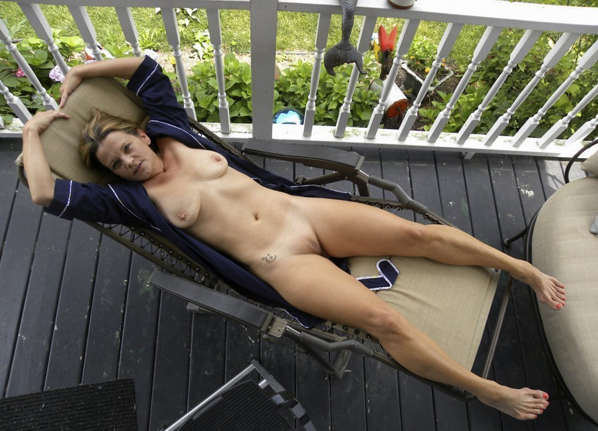 Neighbors mom nude — 7
