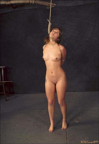 Free nude groups in mirror