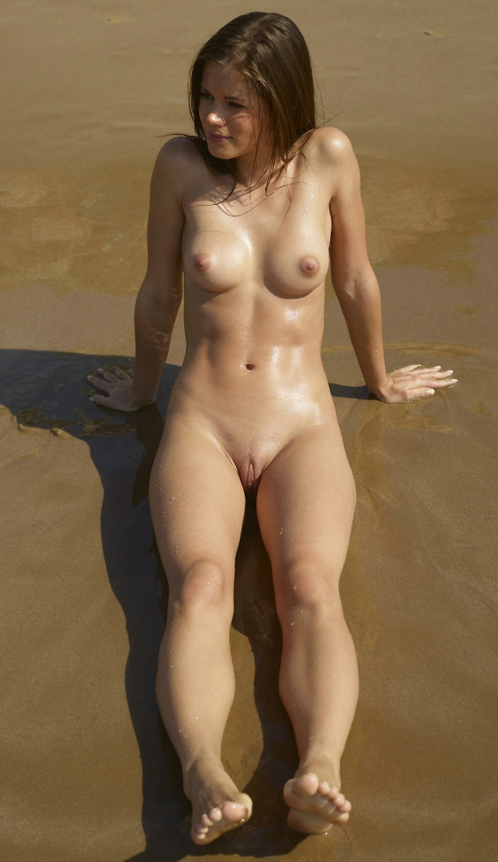 naked-beach-babes-gifs-oiled-wwe-porn-pictures