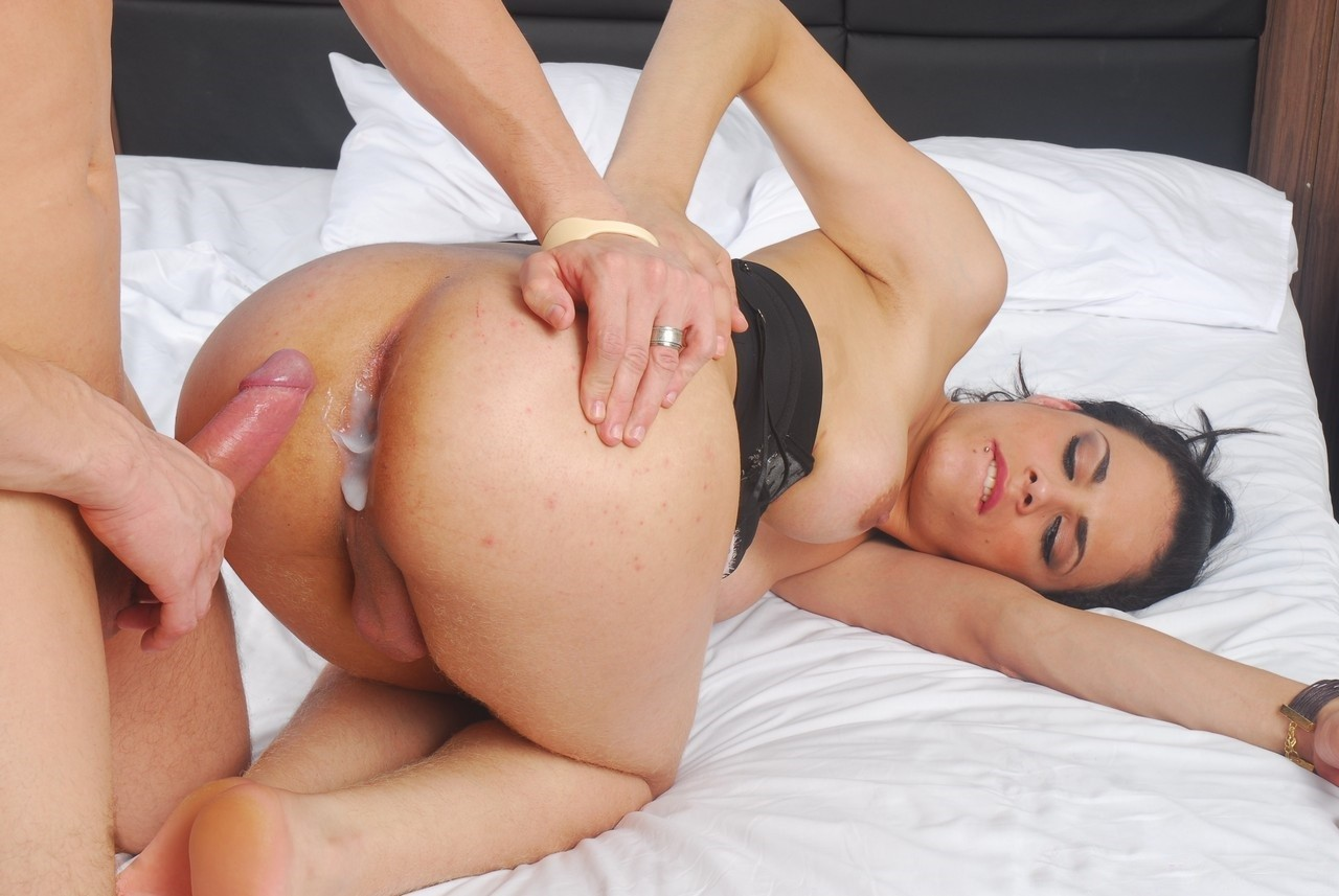 Big ass blonde gets anal creampie after reverse cowgirl