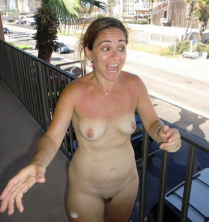 Dares naked