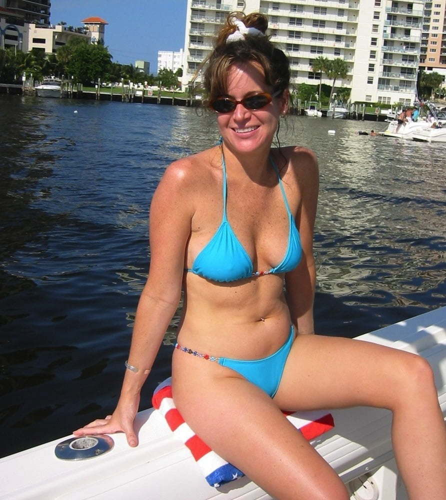Naked Milf And Party Cove Flashing