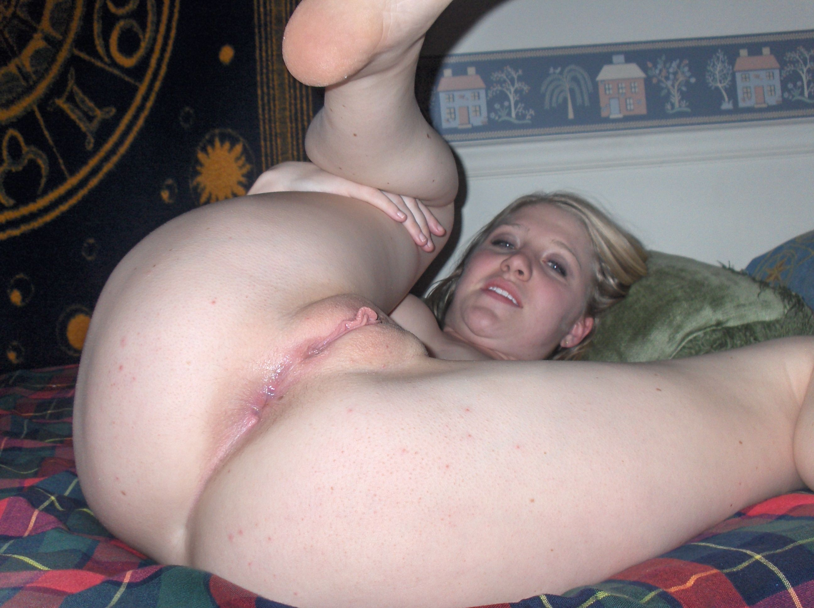 Slut legs spread