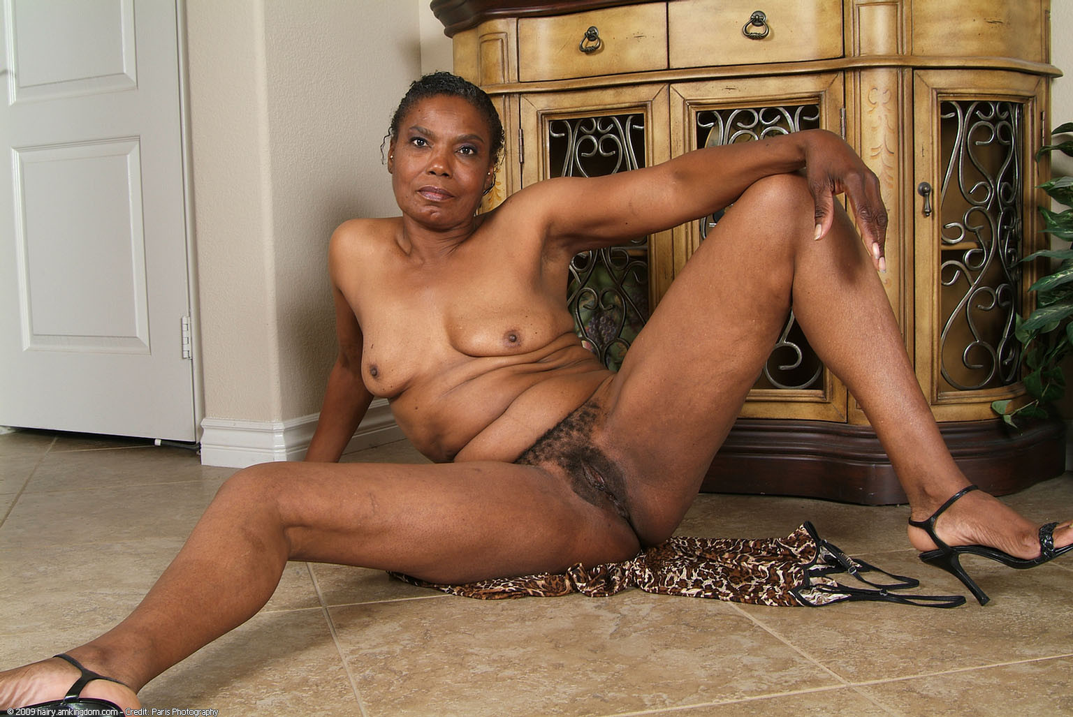 Old black mature african pussy