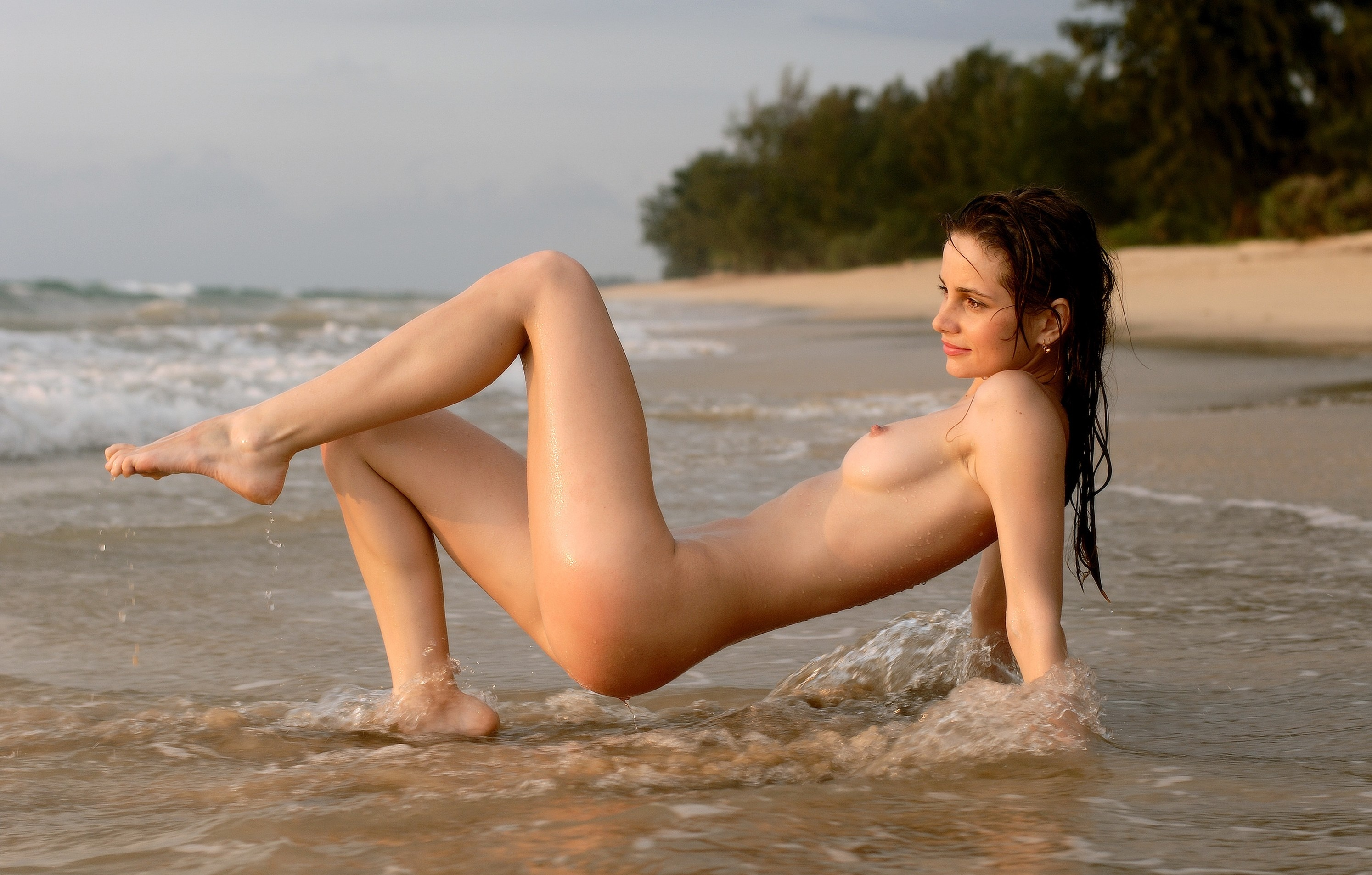 wet-water-beach-nude-young-girls-thong-pictures