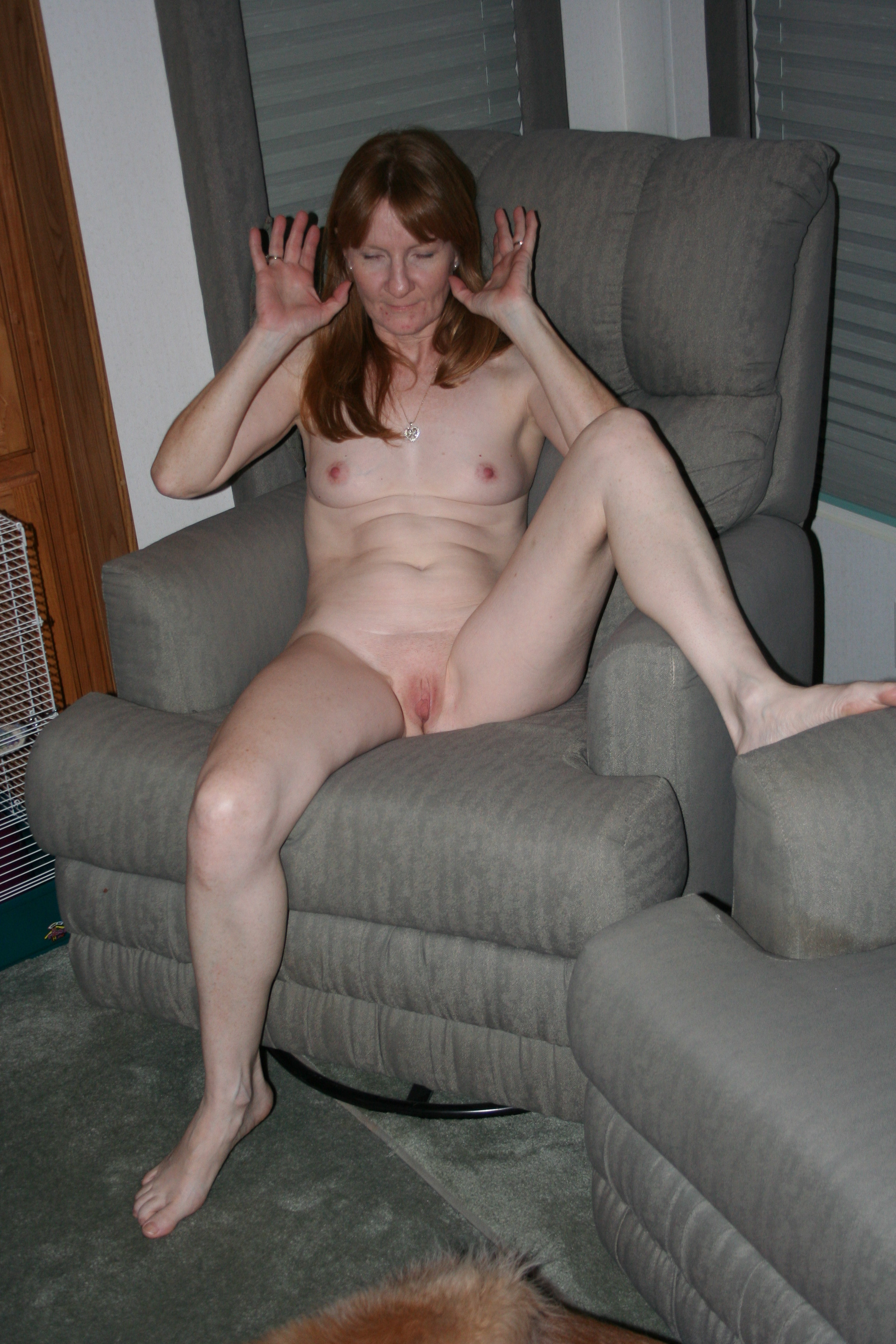 Hot wet shaved pussy in pantyhose