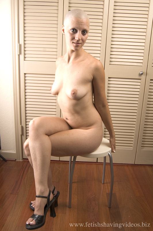 Naked photos of chubby bald headed women — pic 10
