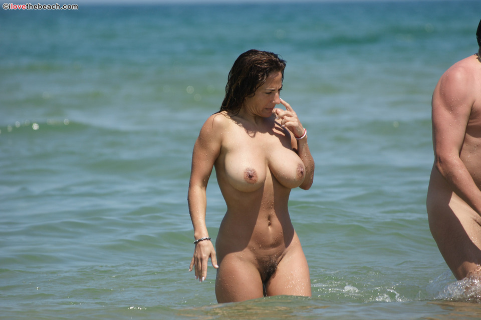 Ilovethebeach natural tits hd