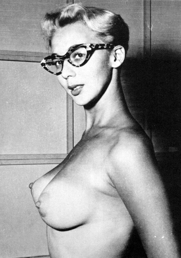 french-girl-with-glassesnaked-conde-pussy-lips