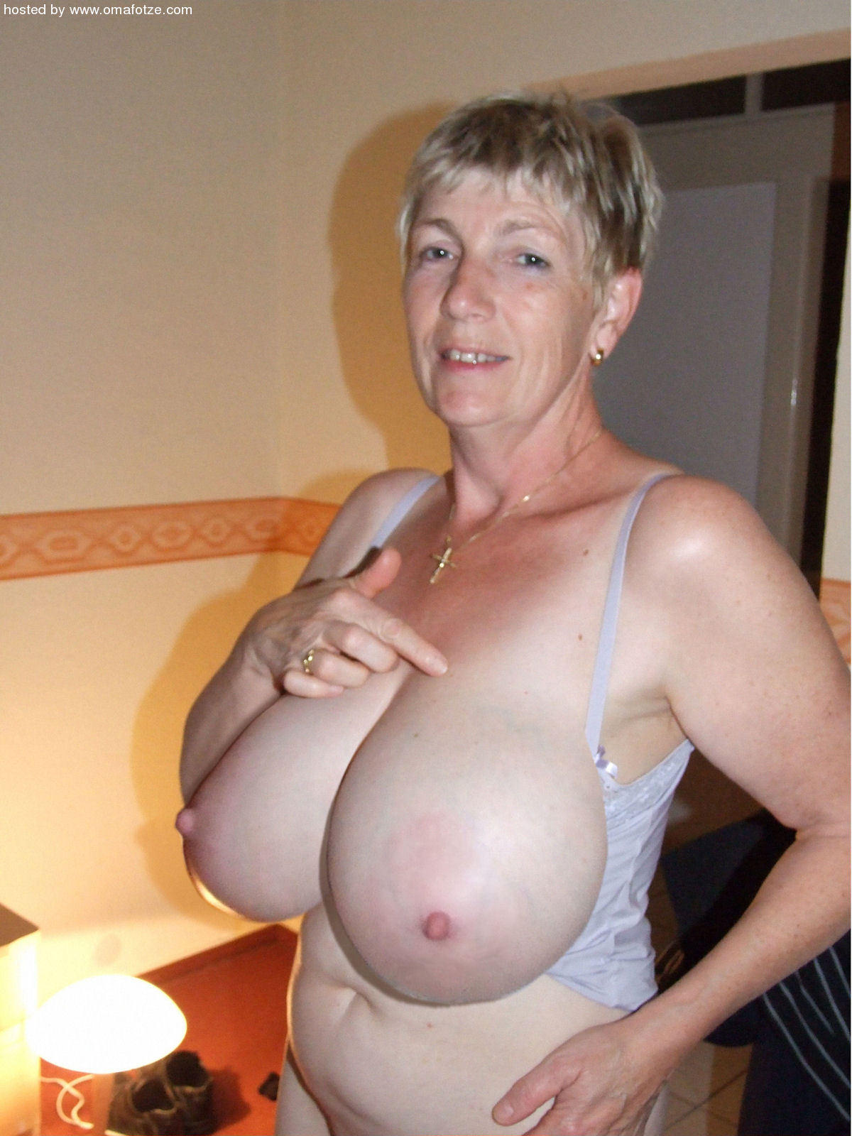 pics busty Hot and Hot granny