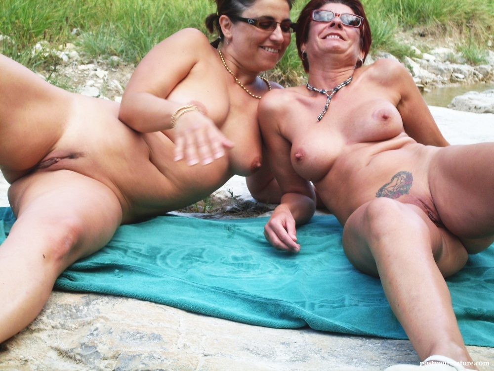 UK Flashers - New Public Nudity Movies, Amateur babes nude in.