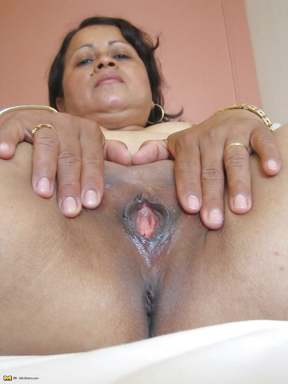pure-mexican-pussy-wet-pussies-and-leggings